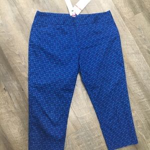 Cold water Creek Natural Fit blue capris Nwt